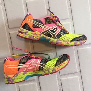 🎉NEW LISTING!🎉ASICS running shoes